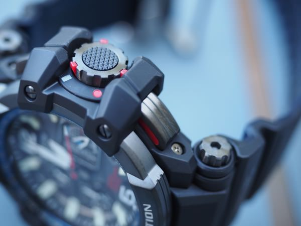 Casio G-Shock GPW-1000 boutons