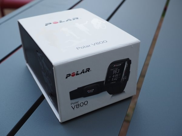 Polar V800 packaging