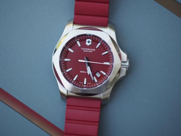 Victorinox INOX RED 16